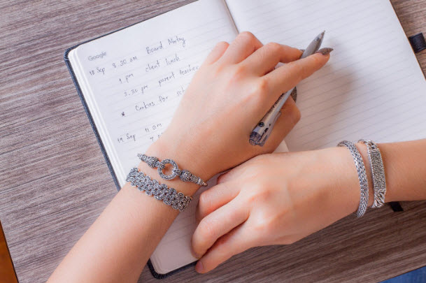 5 Reasons To Wholesale Start Buying Sterling Silver Jewelry