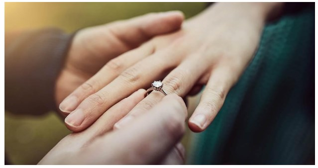 Love And Money Wholesale Engagement Ring Dont Always Go Hand In Hand 03